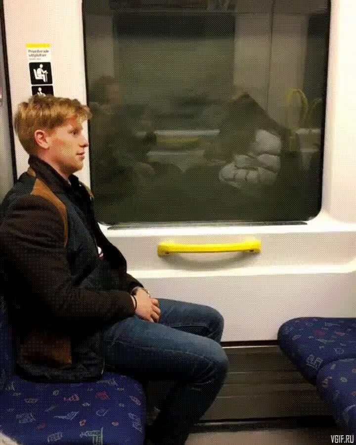 Заснул член в метро